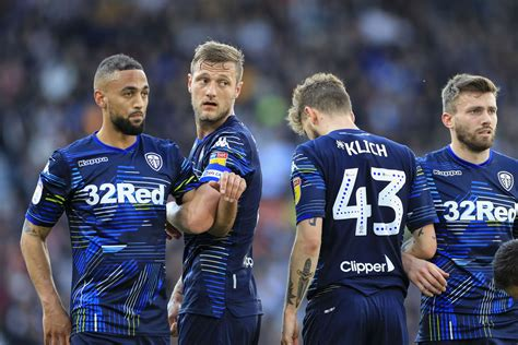 Leeds United fans react to Kemar Roofe to Rangers ...