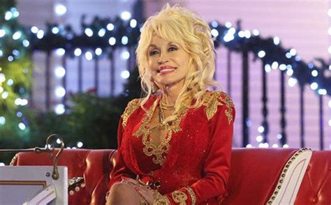 Dolly Parton releases playful country Christmas cover of ...