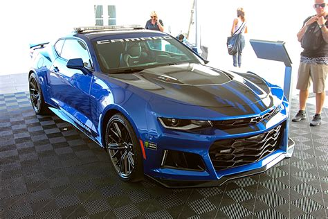Camaros and a Few Oddities from the 2017 SEMA Show #TENSEMA17