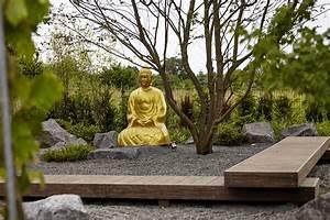 Buddha Statue Im Garten : buddha in gold in japanischen garten von rheingr n moderner garten pinterest garten and ~ Bigdaddyawards.com Haus und Dekorationen