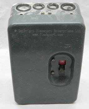 Mem Way Enclosed Grey Metal Fuse Box