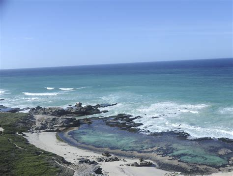 A South African Home That Maximizes Nature Reserve Views : De Hoop Nature Reserve
