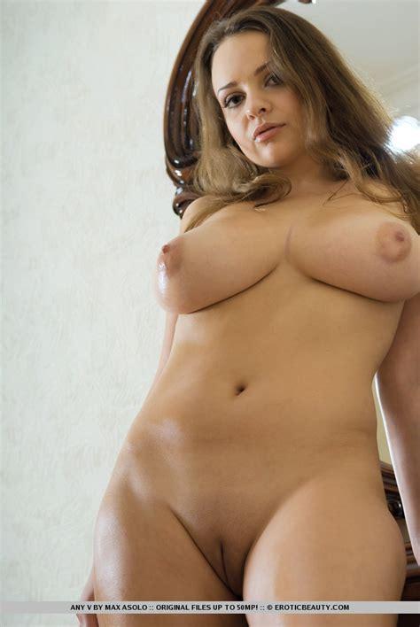 European Girl With Huge Boobs Busty Girls Db