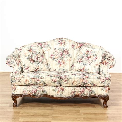 Patterned Loveseat by Curved Back White Floral Loveseat Sofa Loveseat Vintage