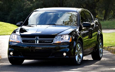 dodge avenger smart choice  affordable midsize