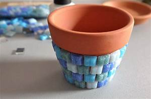 DIY Mosaic Tile Flower Pot (because plants need to dress