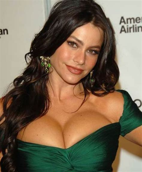 Cleavage Appreciation Day Starts Breast Bombardment On Twitter