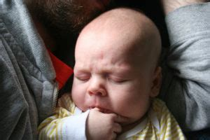 soll man daumenlutschen abgewoehnen mein erstes babynet