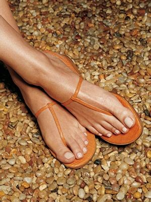ways  fake sandal ready feet   pedicure allure