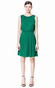 5 maneras de combinar un vestido verde - Vestidos Glam
