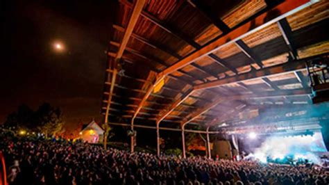 meadow brook amphitheatre michigan
