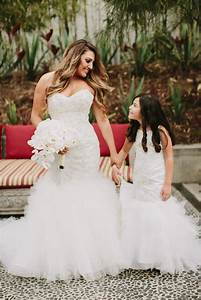 Matching dresses of flower girl to the bridal dress for Wedding dresses with matching flower girl dress