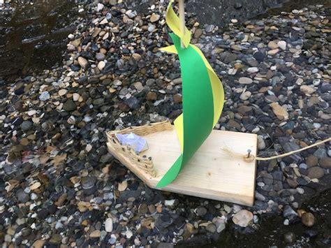bauen mit kindern kinder basteln ein segelboot kinderoutdoor outdoor erlebnisse mit der ganzen familie