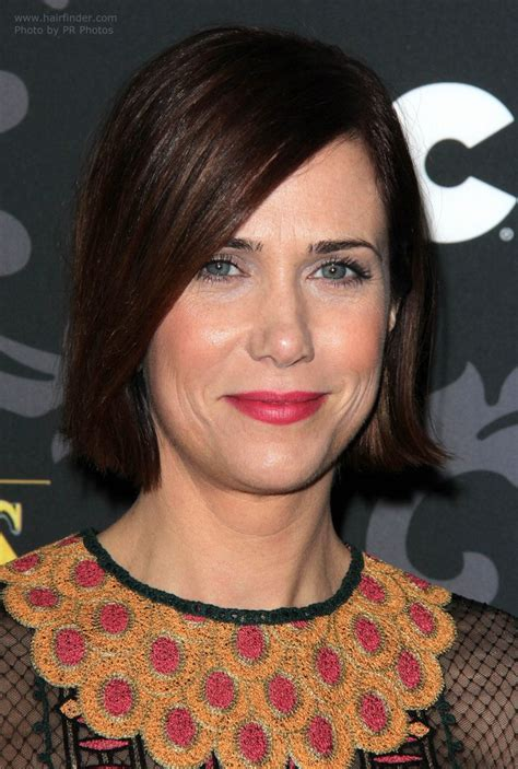 kristen wiig short hairstyle    year  woman