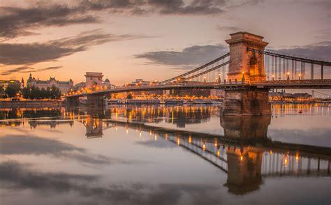Chain Bridge Budapest Hungary 2048 X 1272 Locality