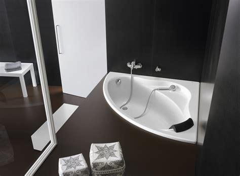 baignoire d angle pour salle de bains bali de roca