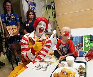 Photos: Cyclists and Ronald McDonald visit Hoops Family ...