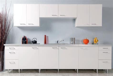revetement pour meuble de cuisine rouleau adhesif deco pour meuble 3 revetement adhesif