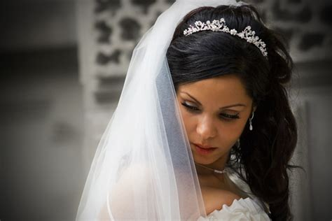 Wedding Hairstyles With Veil : 25 Groovy Wedding Hairstyles With Veil