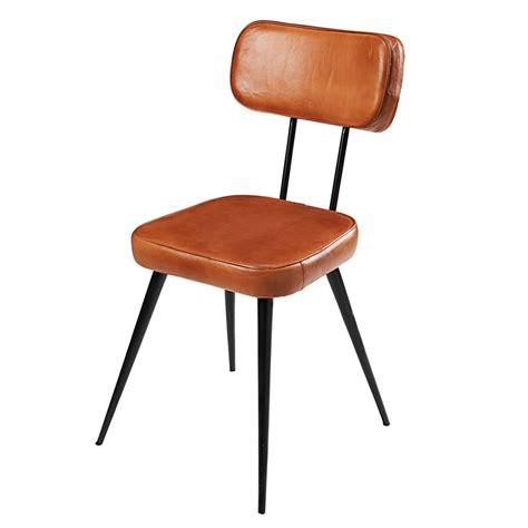 chaise cuir noir chaise en cuir de chèvre et métal noir clapper maisons