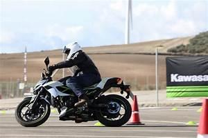 Permis B Moto : les deux kawasaki du permis b auto ou du permis moto a1 ~ Maxctalentgroup.com Avis de Voitures