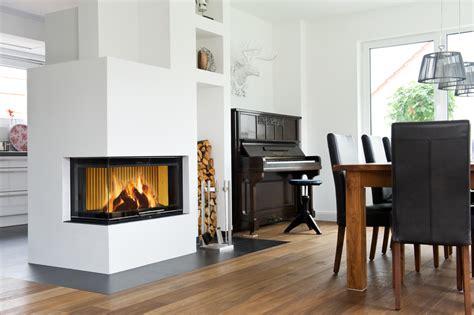 Alte Und Neue Möbel Kombinieren by Mit Holz Flexibel Heizen Kachelofenwelt De