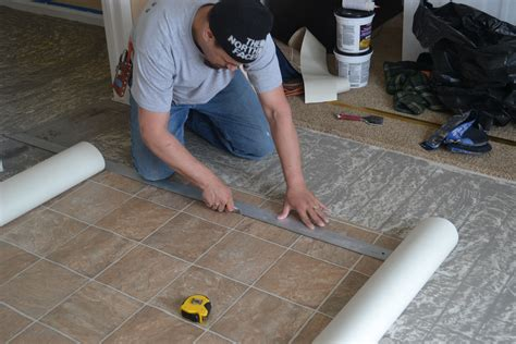 linoleum flooring how to install how to install vinyl flooring pro construction guide