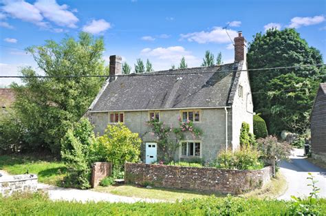 Cottages For Sale by 6 Of The Best Chocolate Box Cottages For Sale Country