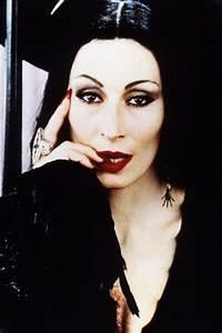 Dazzling Divas: Anjelica Houston