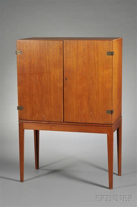 wood laminate cabinet refacing veneer over cabinet door cabinet doors