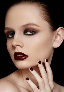 Make Your Christmas Make Up Look Fantastic!   youne