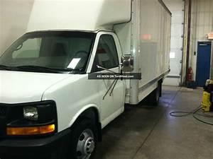 2004 Chevrolet Express 3500 Base Cutaway Van 2