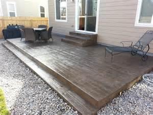 wood grain texture sted concrete patio steps casco