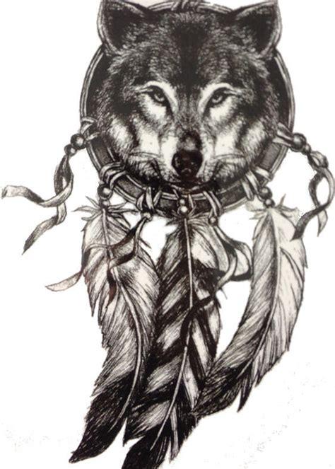 faux tatouage tete de loup dans attrape reve kolawi