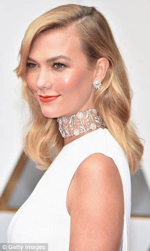 Oscars Karlie Kloss Wears Stella Mccartney Dress