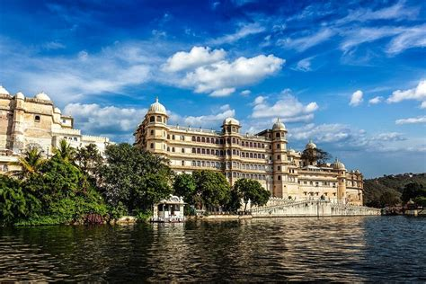 ultimate guide  explore  royal city  udaipur