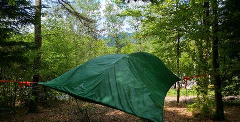 chambre bulle dans la nature location tentes dans les arbres hébergement insolite