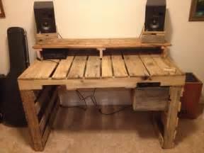 schreibtisch selber bauen build a computer desk from pallets wooden pallet furniture