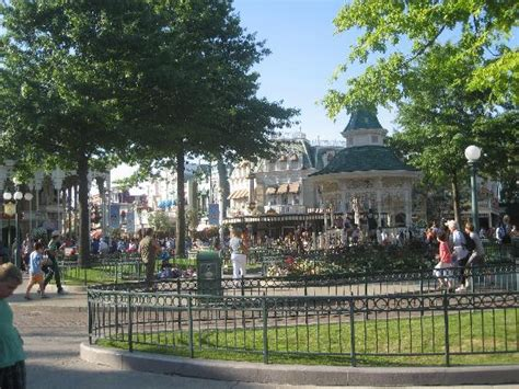 Town Square Picture Of Disneyland Park Marne La Vallee