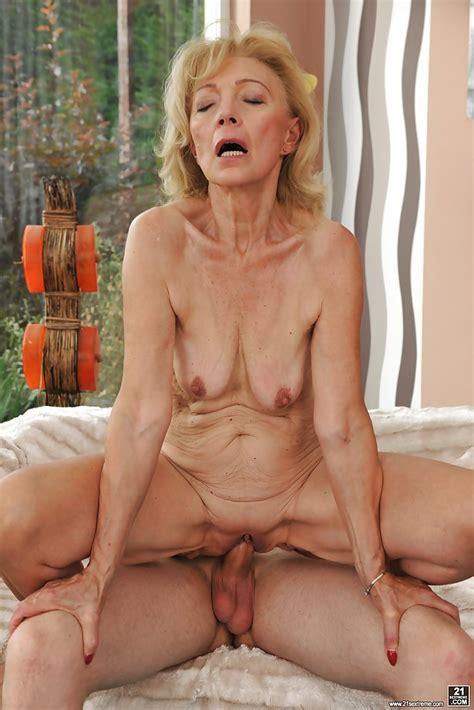 Granny Suzanne Fucked Marcodotato