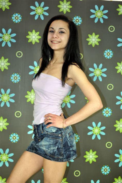 Brunette Teen Amateur I M Really A Nice Girl Hot Cute