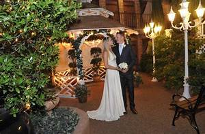 3 romantic las vegas weddings for under 300viva las vegas for Outdoor vegas weddings