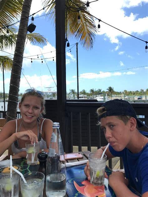 Tiki Hut Turks And Caicos by Tiki Hut Island Eatery Providenciales Restaurant