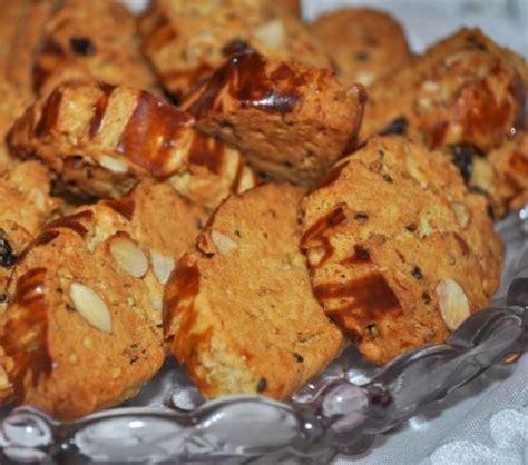 cuisine de choumicha fekkas aux amandes choumicha cuisine marocaine