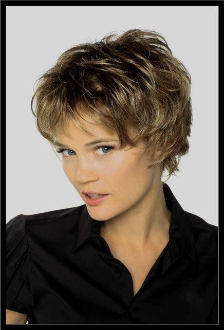 coupe de cheveux court coupe de cheveux court 2019 pour femme