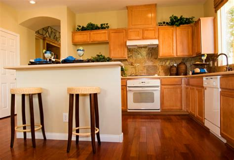 Kitchen Paint Colors With Honey Oak Cabinets by 34 Kitchens With Dark Wood Floors Pictures