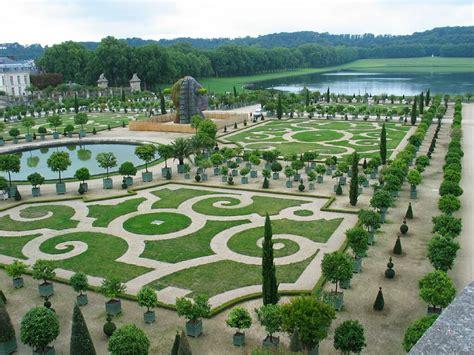 Jardines De Versalles, Francia  Fotos E Imágenes En