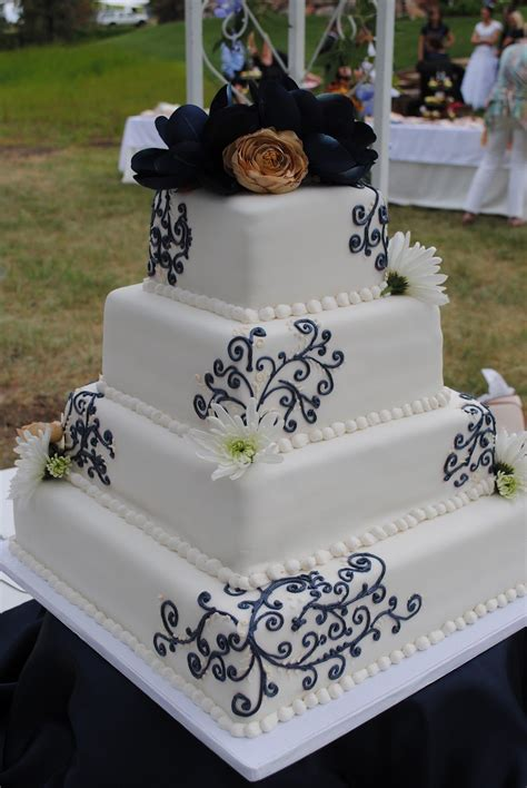 navychampagne wedding cake beckys cake blog navy blue