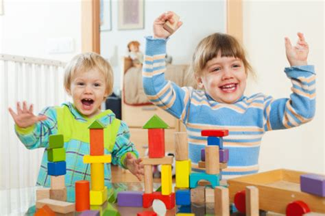 directed curriculum vs child initiated learning 783   shutterstock 178006523 e1440587615295