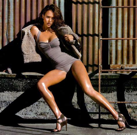 Jessica Alba Sexy Bikini Photos And Wallpapers Collections Hd
